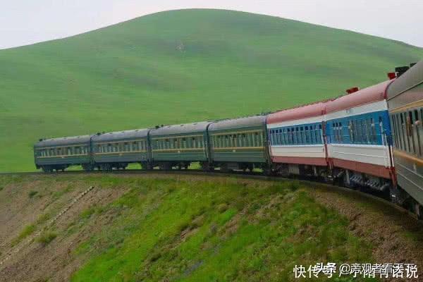 """中国""""最牛""""火车,票价达6000元,比机票还贵,却仍一票难求"""