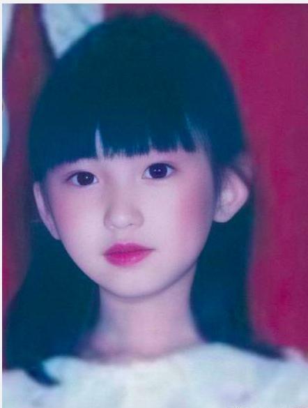 毛晓彤小时候很美,黄景瑜小时候很萌,朗朗小时候和现在一模一样