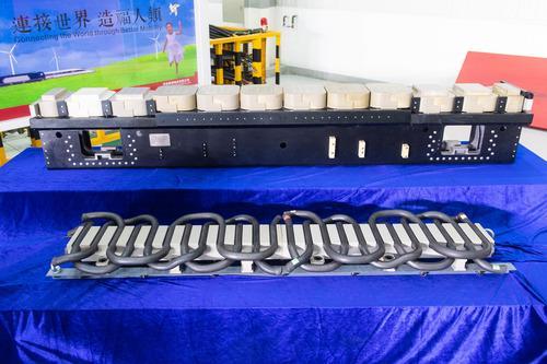 """#新华社#中国时速600公里高速磁浮列车""""动力装备""""发布"""