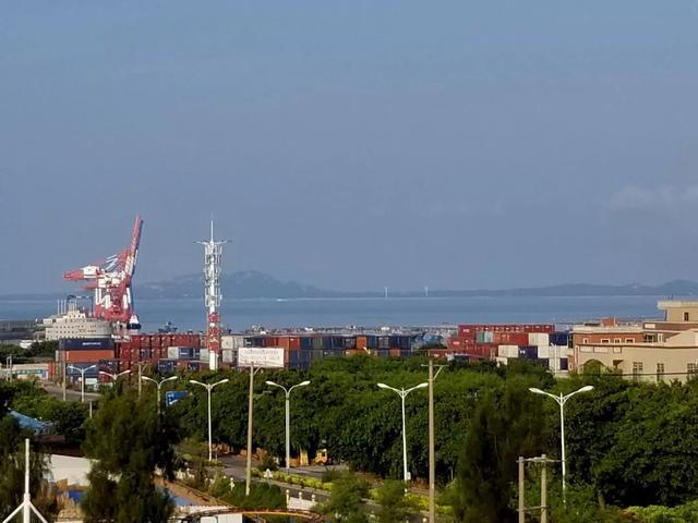 【中国之声】围头湾那边是金门,今晚父女俩也许能看到同样景象 |