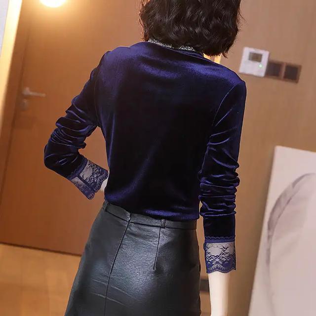 """日盼夜盼:""""金丝绒""""裙终于出新款了!同学聚会穿,绝对美的惊艳"""